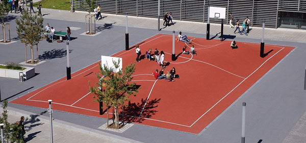 munichs_trippedout_basketball_court.jpg