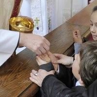 A keresztény istentisztelet generációk találkozása, ahol mindenkinek helye van