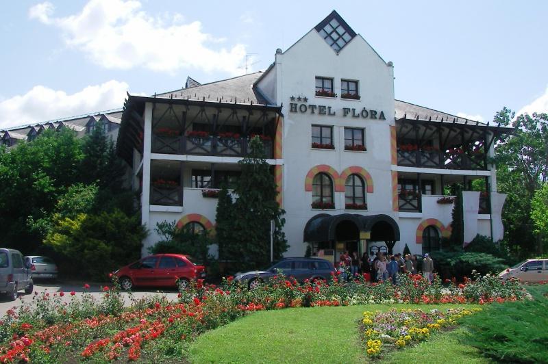 hotel_flora.jpg