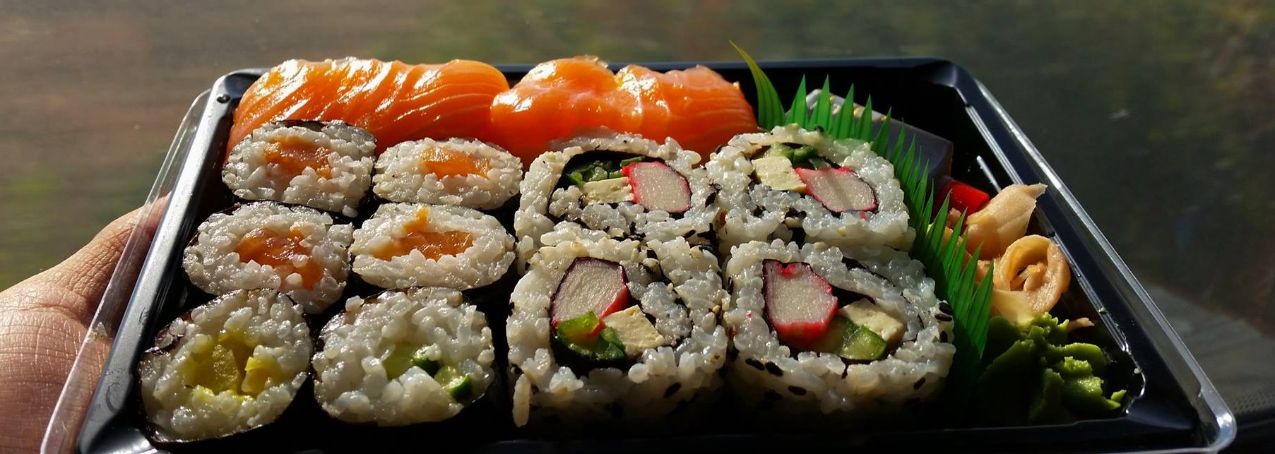 regiojet-prague-ostrava-business-class-sushi.jpg