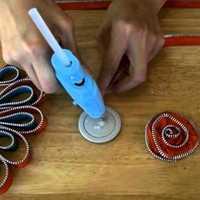 Kitűző készítése cipzárból lépésről-lépésre