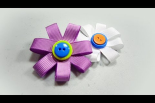 Egyszerű virág kitűző