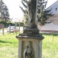 104. Kőszobrok III.