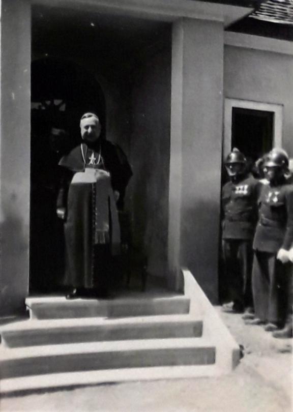 1942b_5.jpg