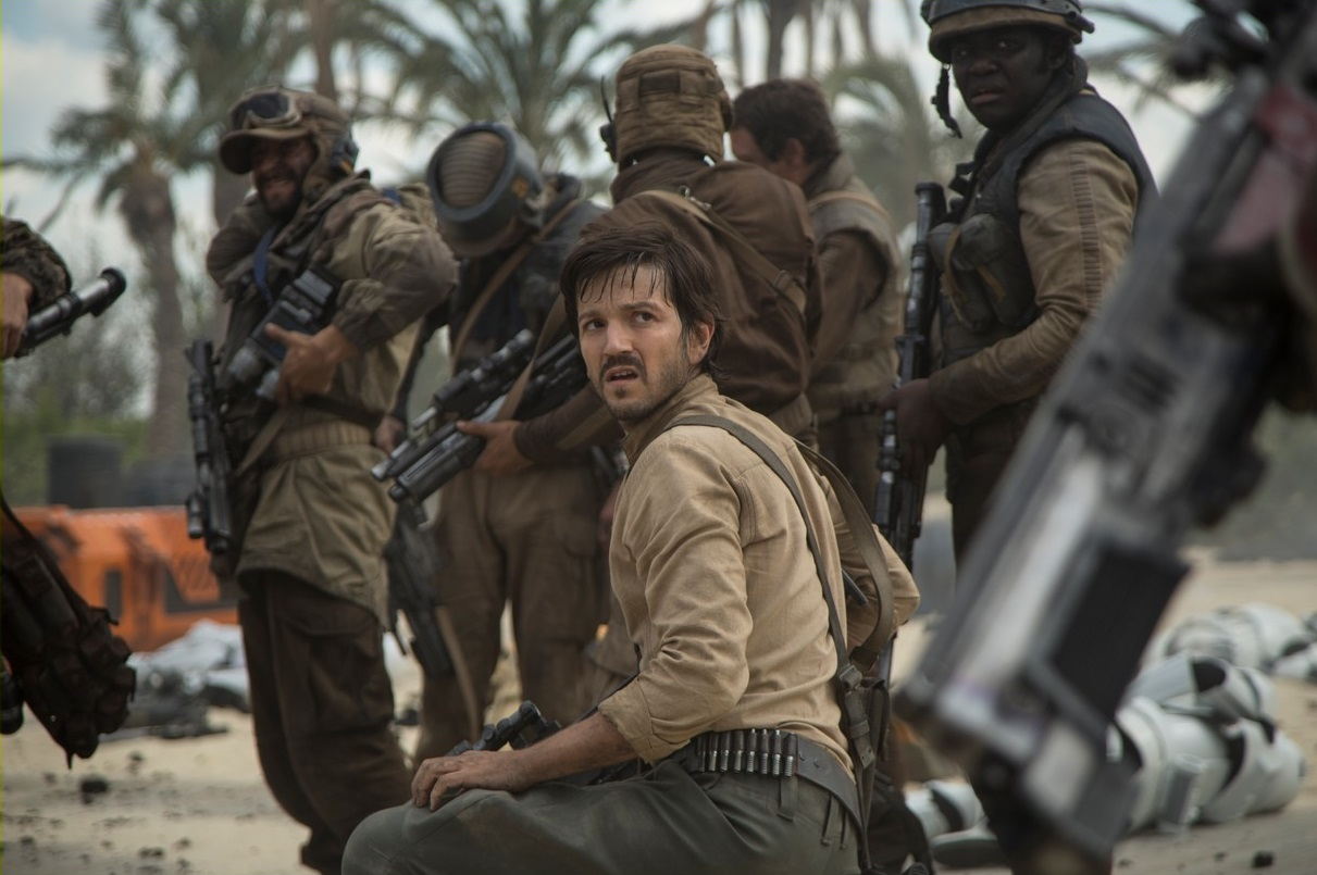 rogue-one-a-star-wars-story-movie-stills-04.jpg