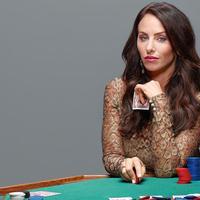 Egy 26 éves nő igaz története, aki a világ legexkluzívabb, illegális pókerbirodalmát építette fel
