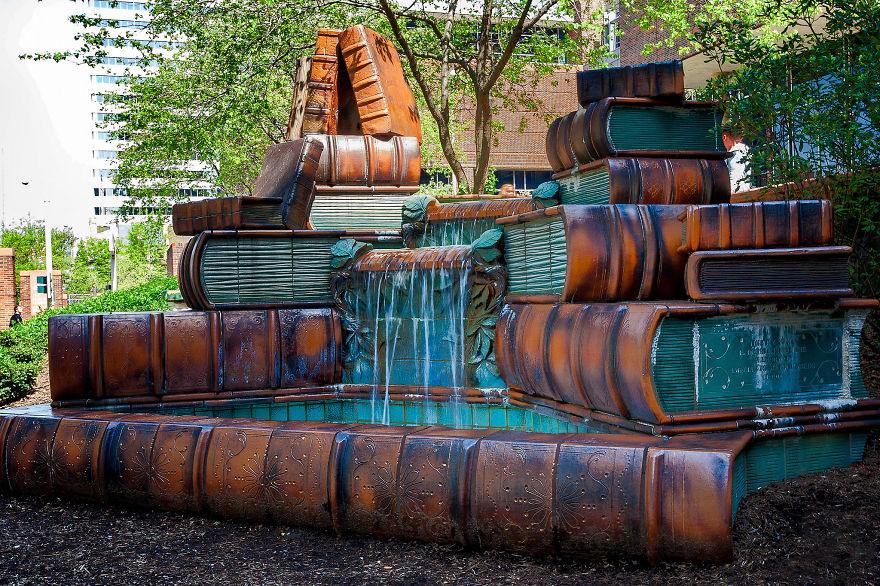 book-fountain-cincinnati-public-library-2_880.jpg