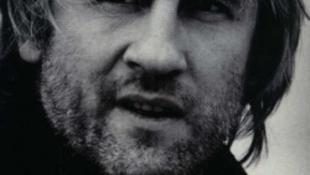 Gérard Depardieu 63 éves