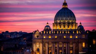 Új fényben a Szent Péter bazilika