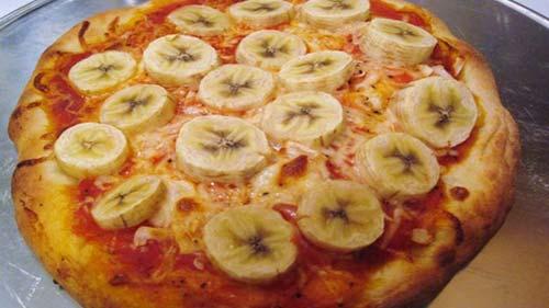 weird-pizza-bananas.jpg