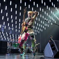 A Red Hot Chili Peppers kétszer kért bocsánatot Magyarországtól