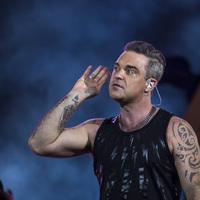 Ilyen volt Robbie Williams és az Erasure a fotósárokból