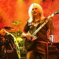 Glenn Tipton gitáros betegség miatt nem vesz részt a Judas Priest-turnén