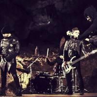 Cseppkőbarlang és gitárszólóverseny - Itt egy új Strong Deformity-dal és -klip + miniinterjú