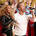 A Coldplay folyamatosan égeti magát