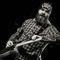 """""""Harminc év ide vagy oda, a mai napig kedvenc időtöltésem a gitározás"""" – Interjú Lukács Petával"""