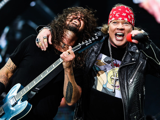 A Guns N' Roses beszállt a Foo Fightersbe