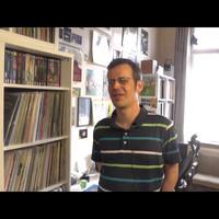 DJ Tomanek bemutatja tekintélyes lemezgyűjteményét
