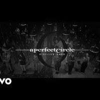 Szakadj le a telefonodról, vár a nagyvilág - Ennyi az új A Perfect Circle-klip üzenete