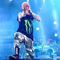 A Five Finger Death Punch aggódik, mi lesz a pénzükkel, ha meghal az énekesük