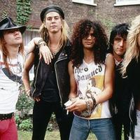 Állítólag új dalokon dolgozik a Guns N' Roses, Izzy Stradlinnel