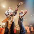 Képek az Eagles Of Death Metal párizsi koncertjéről, amikor még minden rendben volt