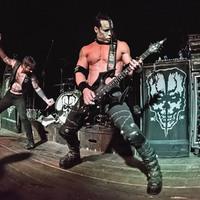 Rohadt jó képek a Misfits gitárosának budapesti fellépésről