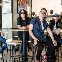 Gyökerekhez visszanyúló punklemezt akarunk csinálni – Junkies-interjú Szekeres András énekessel