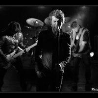 Ha ma magyar rockzenét akarsz hallgatni, az a Mangani 888 legyen