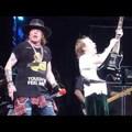 Így búcsúzott el Angus Young Cliff Williamstől a színpadon