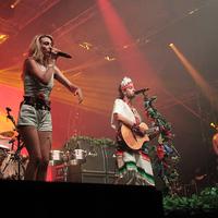 A koncertezés fogalma alapvetően tök átlagosnak hangzik– Crystal Fighters-interjú