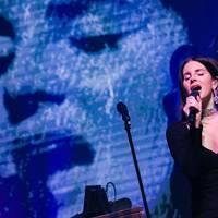 A Radiohead beperelte Lana Del Reyt