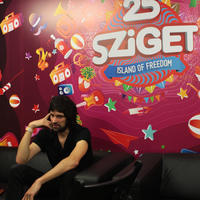 Régen sci-fiket írtak az emberek, most meg benne élünk egyben – Kasabian-interjú Serge Pizzornóval
