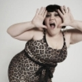 A legmenőbb kövér, leszbikus énekesnő és zenekara a Petőfin