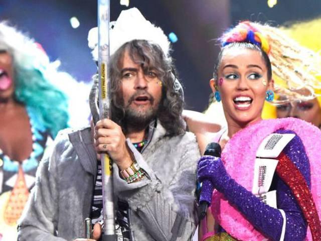 Miley Cyrus vizeletéből készült vinyl albumot tervez a Flaming Lips