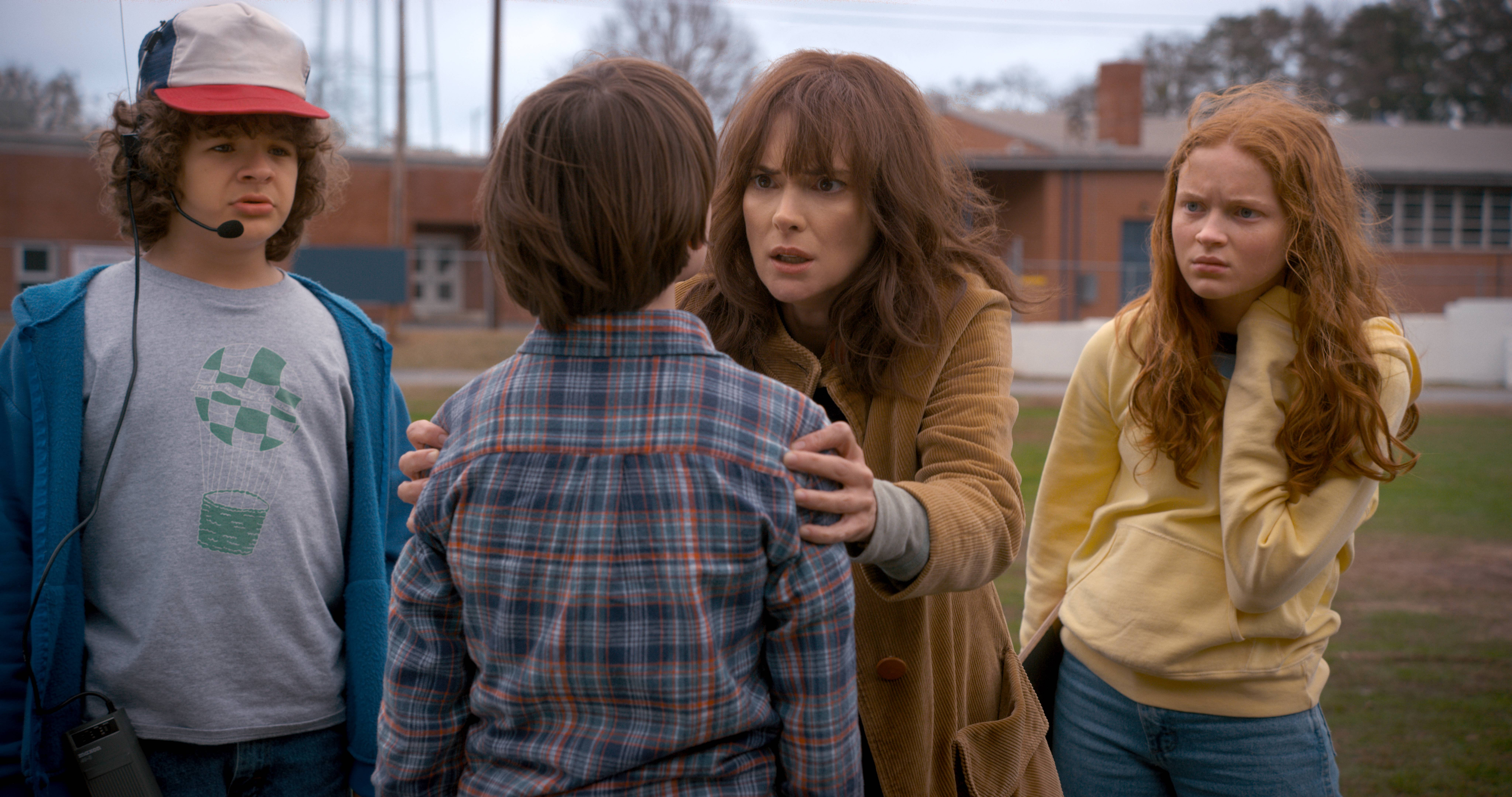 stranger-things-season-2-official-stills-001.jpg