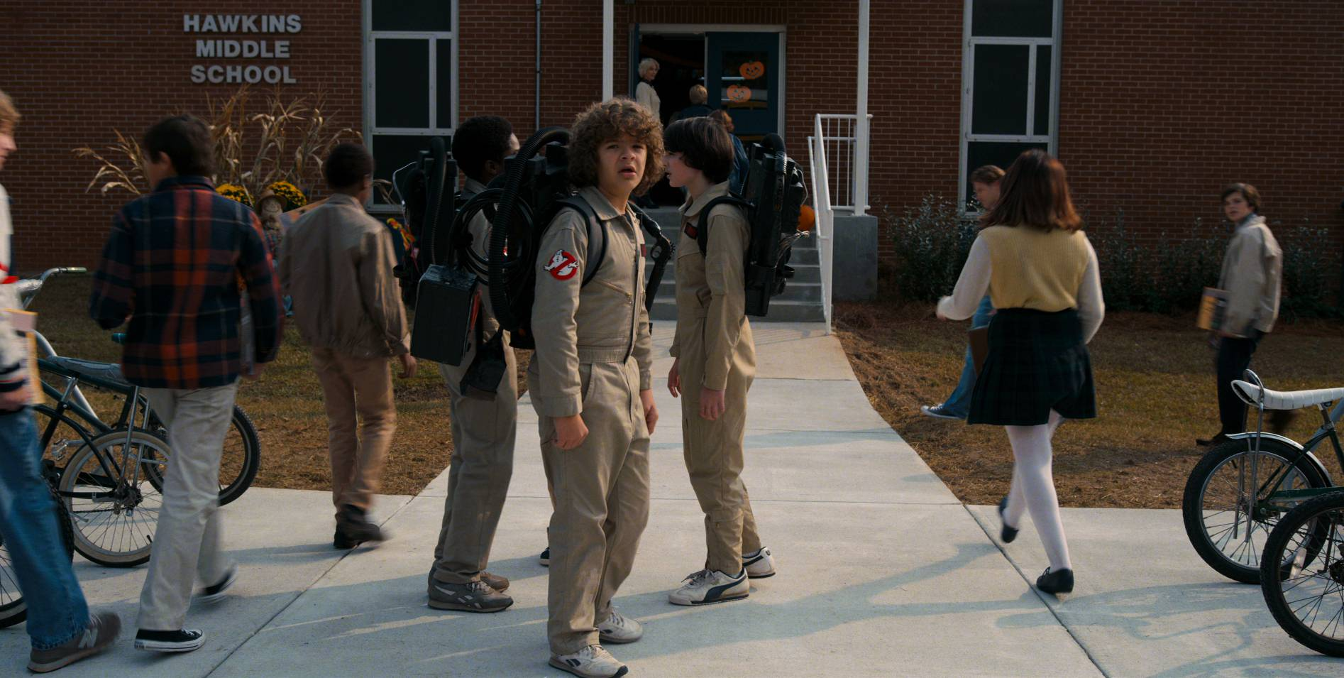 stranger-things-season-2-official-stills-006.jpg