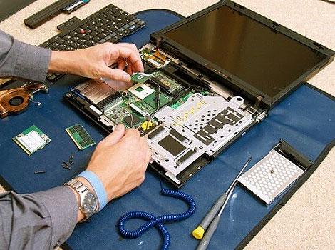 laptop javitas szervizben
