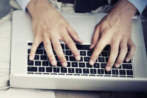 szoveg szerkesztes laptop