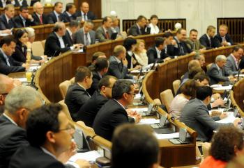 parlament3tasr.jpg
