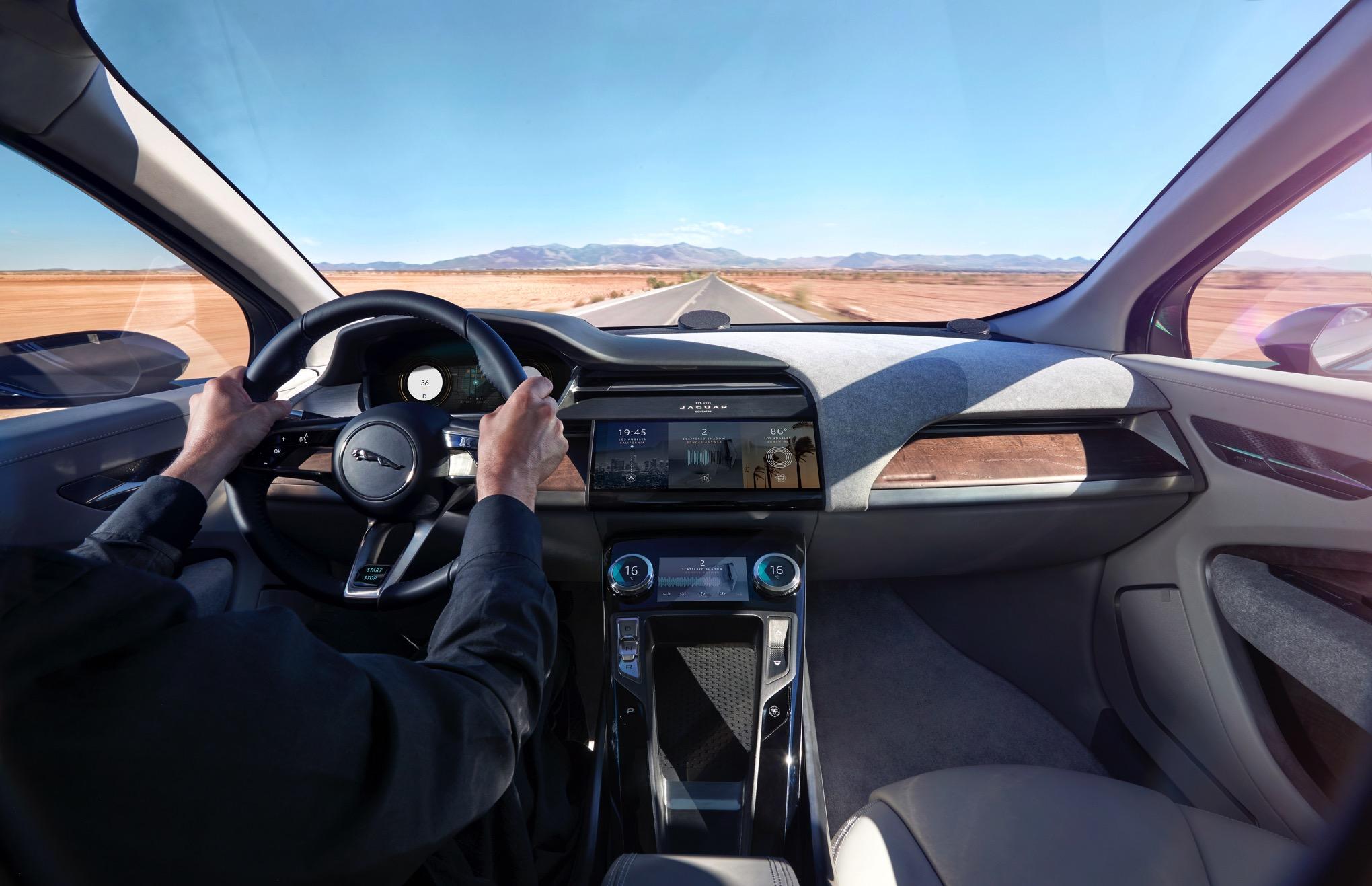 range-rover-velar-jaguar-i-pace-lauren-blog-1.jpg
