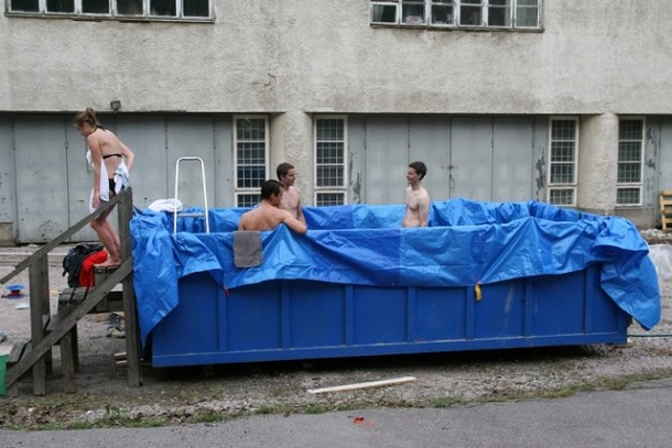 20-temporary-swimming-pools-for-you-to-consider-10-610x407.jpg