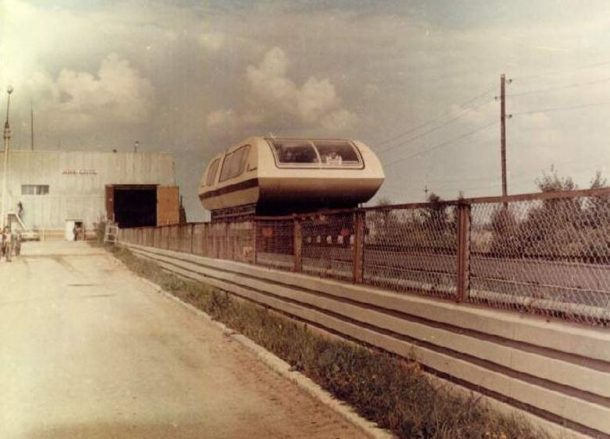 soviet-russia-magnetic-levitation-train-1-610x439.jpg