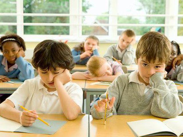 Iskolai kudarcok, szülői kihívások: hogyan neveljünk gondolkodó gyereket?