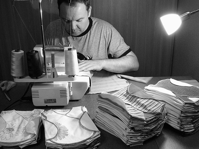 """Hegyi Ferenc, az """"inkubátor pólókat varró pasi"""""""