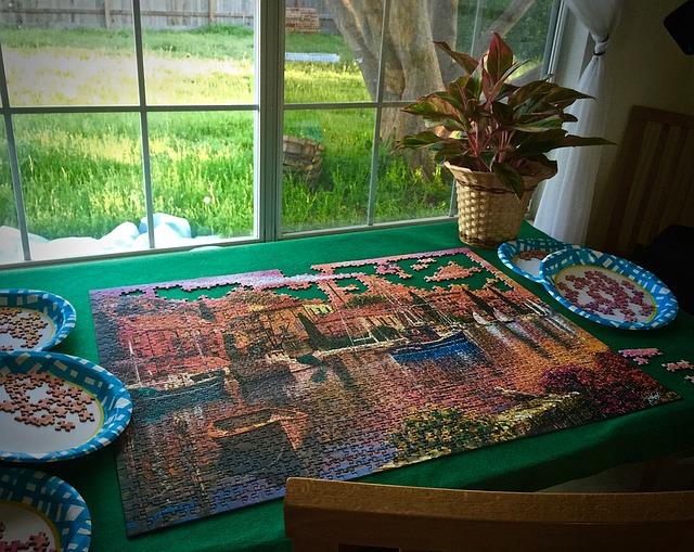 jigsaw-puzzles-1269942_640.jpg