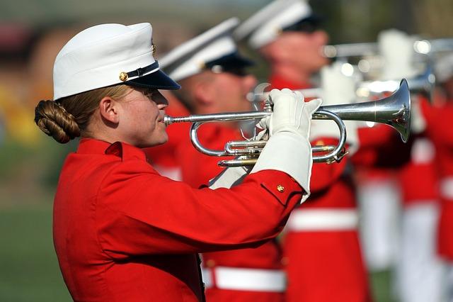 trumpeters-921696_640.jpg