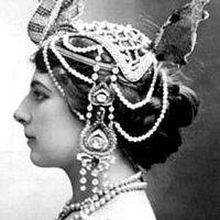 Kémek és hírszerzők - Mata Hari 1.0 (x)