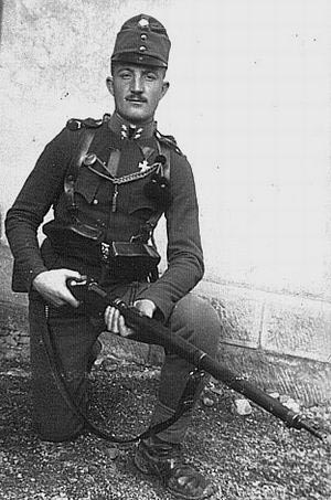 austrian_soldier_with_m95_wwi.jpg