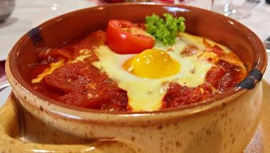 Bolgár sajtos tojásos lecsó
